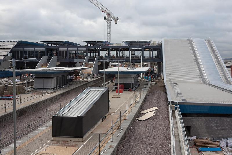 28th Nov 12:  The new Platform 15 ? under construction at Reading