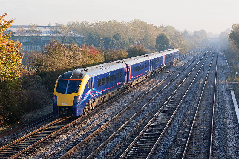 6th Nov 12:  On the Up Relief at Breadcroft Lane is 180108 working 1L28 the 07.08 from Worcester Shrub Hill to Paddington.