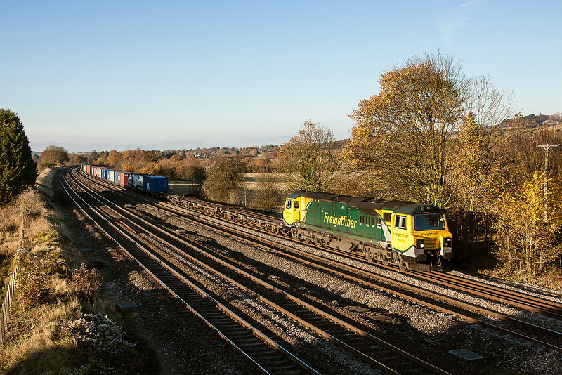 14th Nov 12:  Rounding the curve through Lower Basildon is 70020 on 4O27 from Garston to Southampton