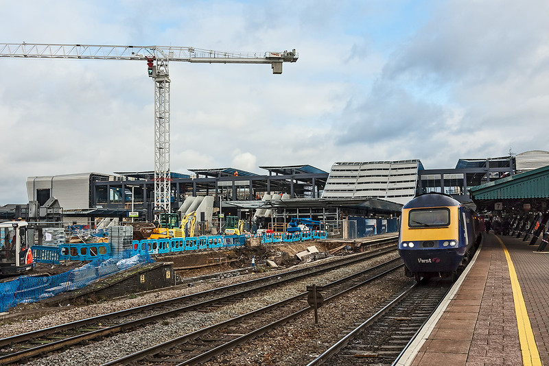 28th Nov 12: An HST stands in Platform 7 with the under construction foot bridge in the back gound