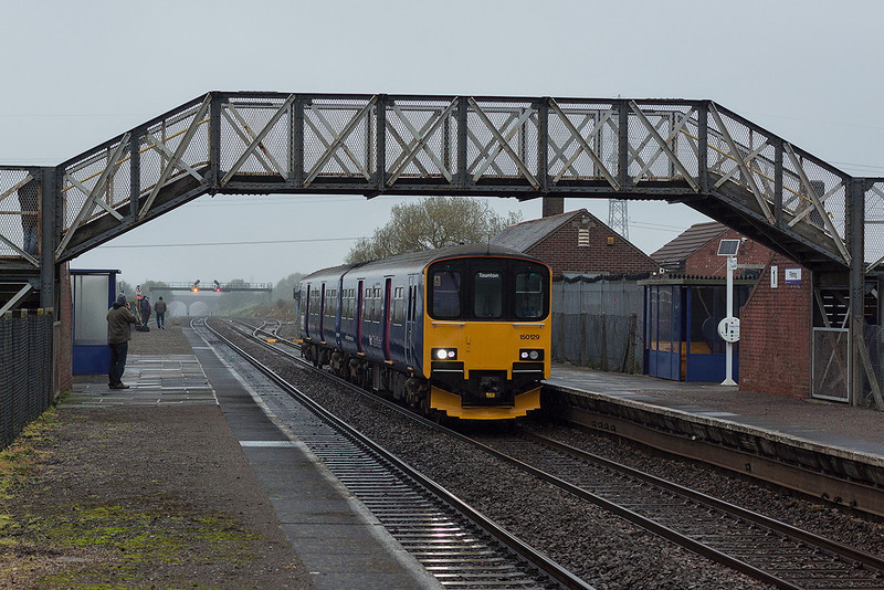 24th Oct 12:  150129 passes through Pilning Station on it's way to Taunton from Cardiff