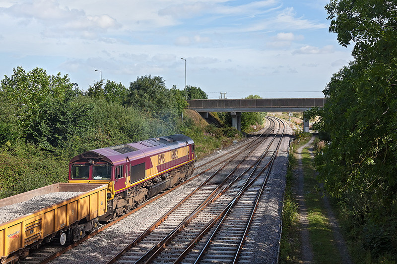 5th Sep 12:  66182 with a rake of JNAs at Didcot North Junction.  6M50 is from Westbury Virtual Quarry to Bescot VQ