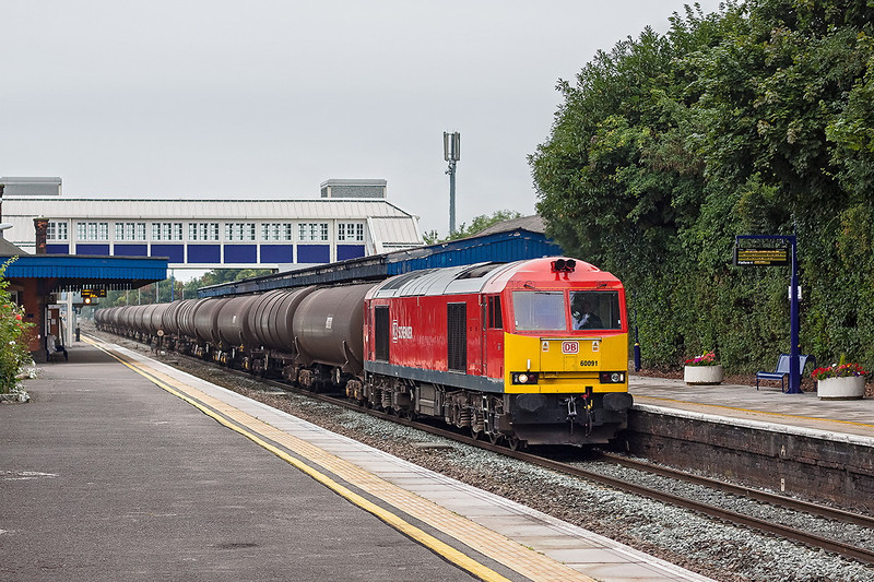 2nd Sep 12:  The Sunday morning 'Q' service  between Didcot and Colnbrooke is 6A70, today powered by 60091 is pictured as it roars through Twyford.  The oil tanks originate from the Lindsey Refinery on the Humber Estuary and have stayed overnight at Didcot