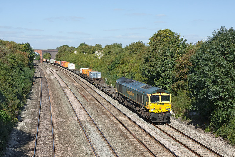 5th Sep 12:  Curving away from Cholsey is 66567 working 4O54 from Leeds