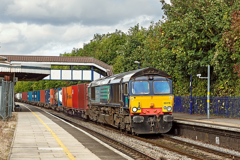 25th Sep 12:  66418 now Leased by Freightliner at Tilehurst while working 4O51 from Wentloog to Southampton