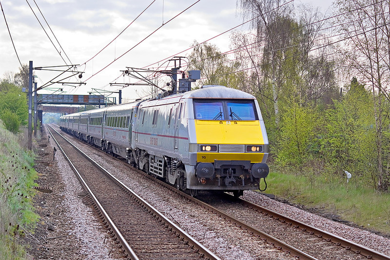 24th Apr 12:  Rushing up the grade through South Elmsall is East Coast 91116 in charge of the 06.30 Kings Cross to Leeds