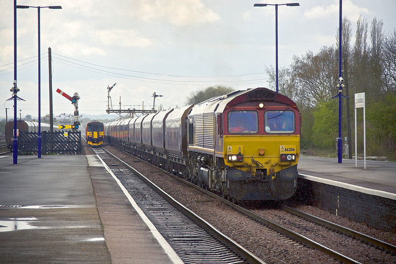 26th Apr 11:  66206 at Barnetby with 4R13 from Cottam PS to Immingham