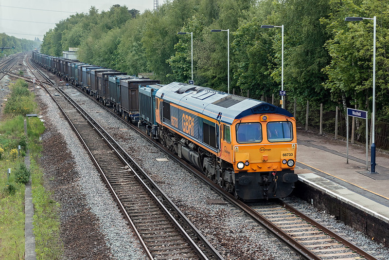 29th May 13:  4Y19 is the irregularly running Mountfield to Southampton empty Gypsum containers.  66733 is pictured at Winchfield