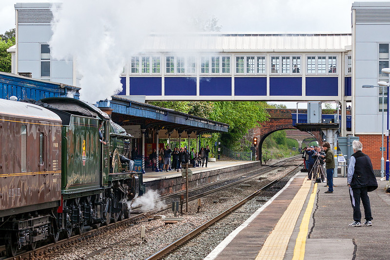 11th May 13:  Excitement at Twyford for the passage of the 'Cheltenham Flyer'.to Paddington