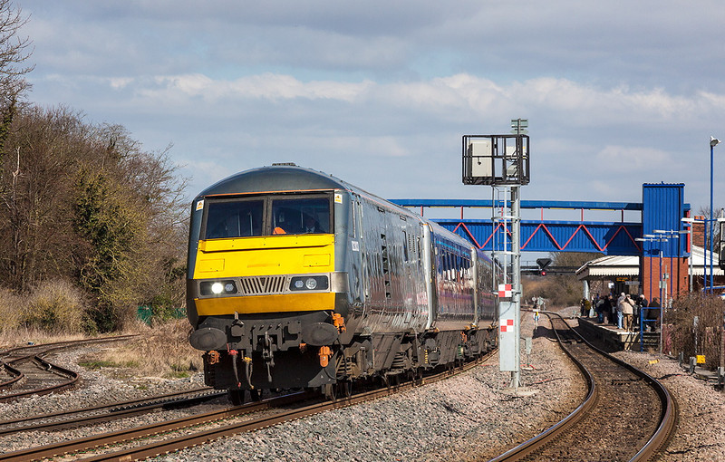 6th Apr 13:   DVT 82303 on the front of 1H13 the 09.10 from Kidderminster to Marylebone. Pictured at Princes Risborough