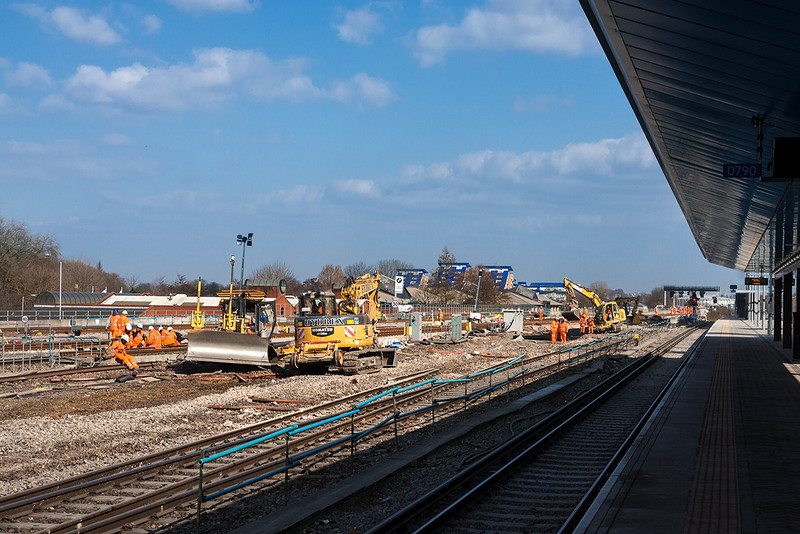 3rd Apr 13: Looking  East from Platform 6