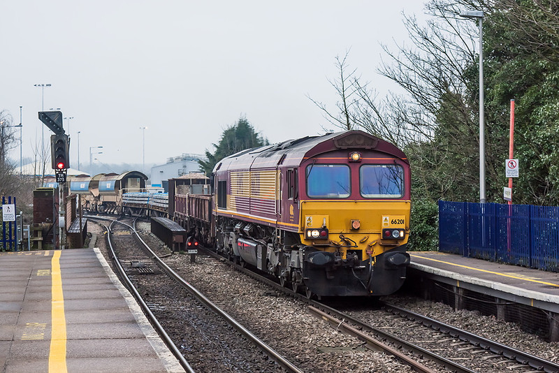 11th Apr 13:  66201 at Reading West with 6O26 departmental from Hinksey to Eastleigh