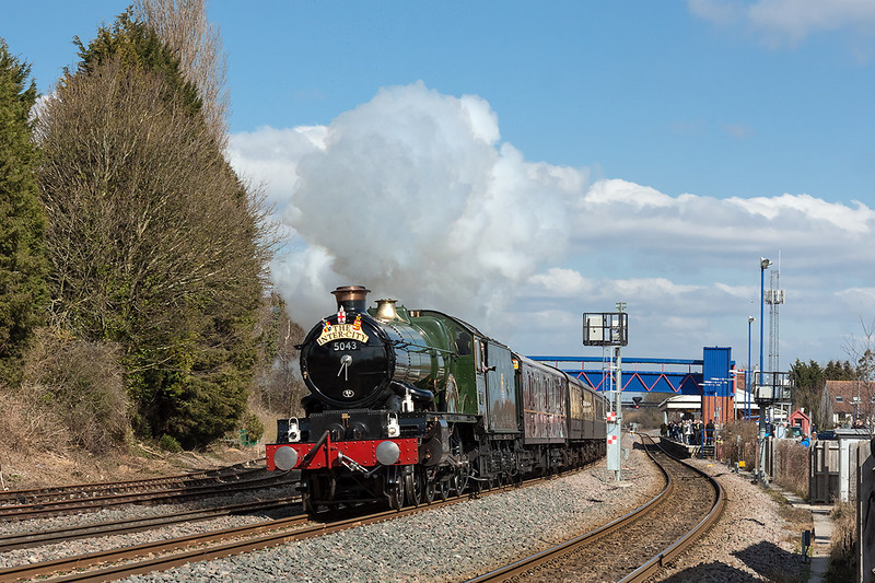 6th Apr 13:  GWR Castle 4-6-0  5043 'Earl of Mount Edgcumbe' looked and sounded superb as it charges through Princes Risborough.  1Z44 is running from Birmingham Moor Street to Marylebone