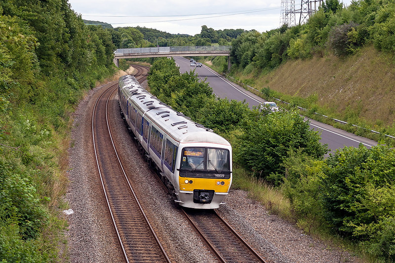 9th Aug 13:  Approaching Wendover is 165029 on 1B53 the 17.59 Marylebone to Aylesbury Vale Parkway