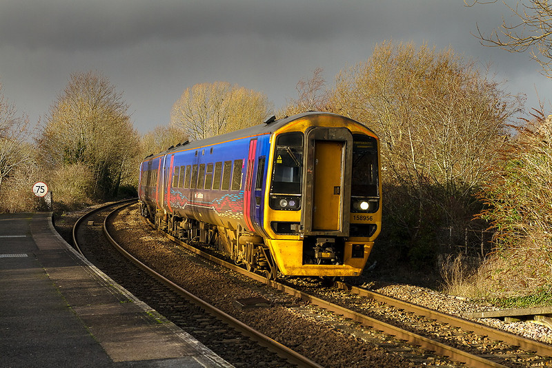 27th Dec 13:  The 11.30 from Cardiff to Portsmouth Harbour arrives at Warminster.  Despite the sky there was no rain!