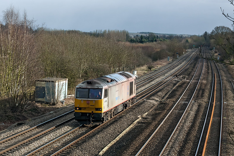 6th Feb 13:  The 3rd Tug and the sun comes out at last !!  A very grubby 60099 'Tata Steel' has no load as it runs through Lower Basildon as the return departmental from Eastleigh to Hinksey.  You can't win 'em all I suppose.  B.....r