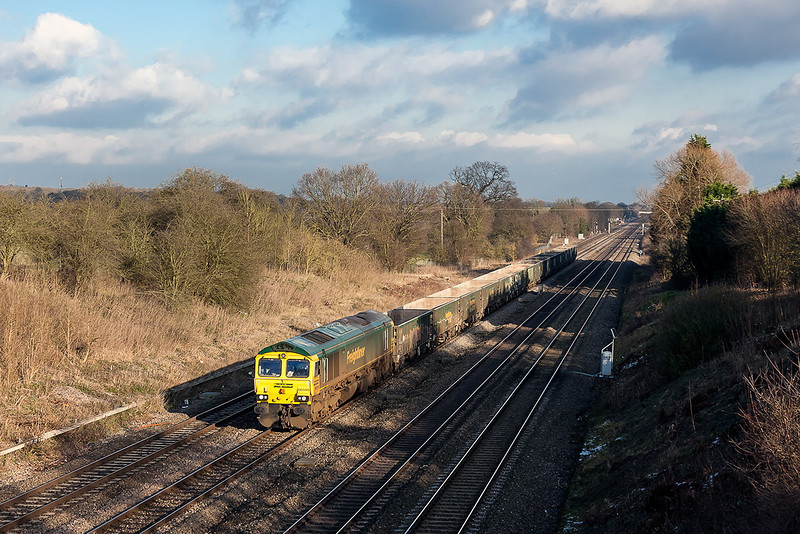 15th Jan 13:  66599 nears Twyford on 6V87 Crawley Yard to Pengam in a fortunate  sunny spell.