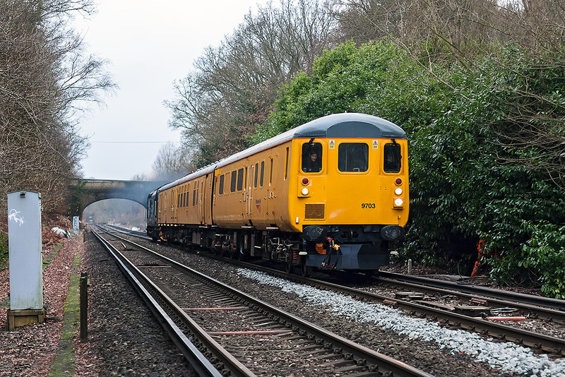 7th Jan 13:  I was expecting 3Q01 from Derby to Woking to be powered by 31223 so it was a nice surprise when 37423 opened up on the rear as she roared away from Virginia Water