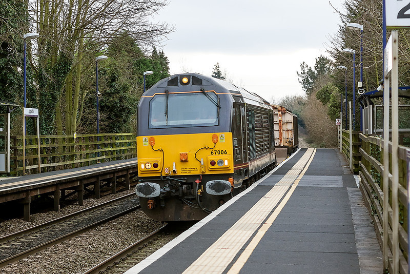 8th Jan 13:  Humble duties for Royal Skip 67006 as it is tasked with the Didcot to Bicester MOD service