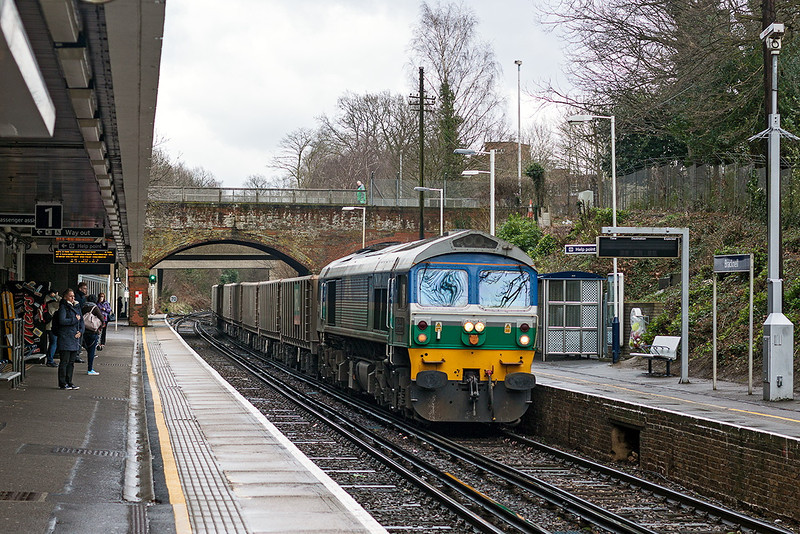 15th Mar 13:  On  a very unpleasant afternoon 59001 trundles through Bracknell with the irregular working 6Z20 from Grain to Merehead