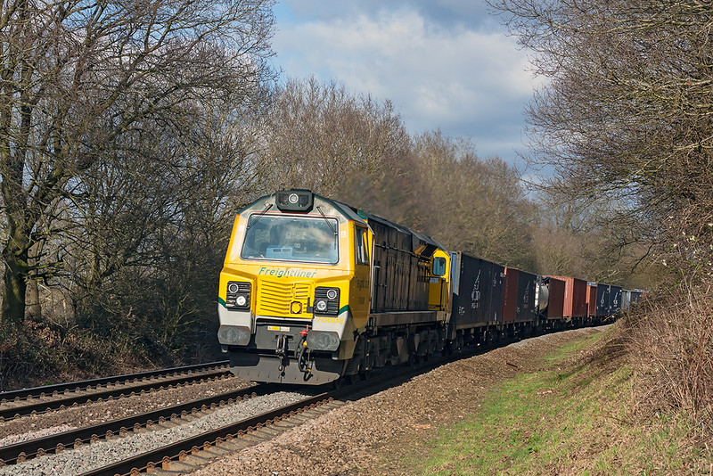 12th Mar 13:  70008 races towards Mortimer with 4O27 the 05.40 from Garston to Southampton Maritime