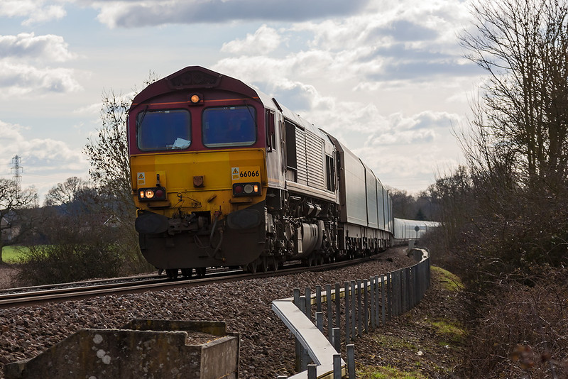 12th Mar 13:  66066 at Mortimer with 4M52 from Southampton to Castle Bromwich