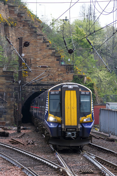 26th Apr 14:  Arriving at Waverley is 2D97 the 12.50 from Dunbar in the hands of 380107
