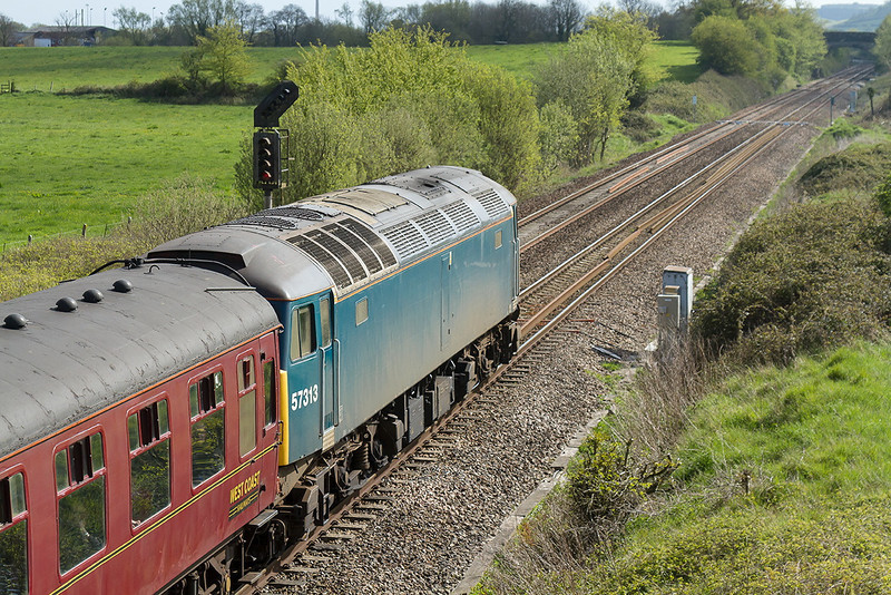19th Apr 14:  With WCR 47237 on the point 47313 is on the tail while working 4Z32 frpm Guildford to Taunton.  Here 60007 Sir Nigel Gresley will take over for the rest of the trip to Kingswear