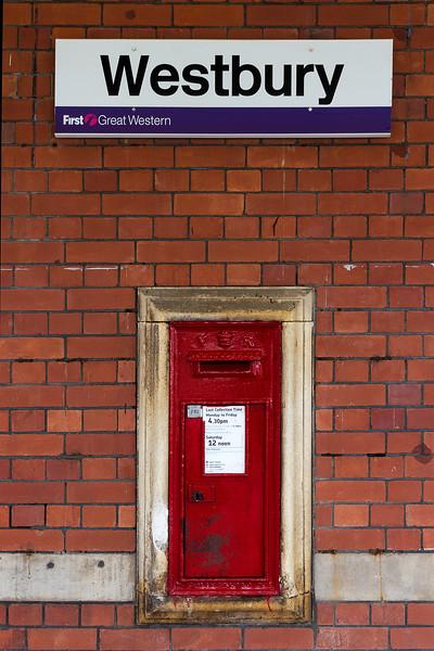 15th Aug 14:  The Victorian post box on Platform 1