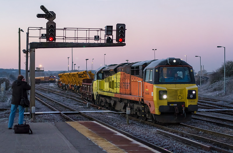 29th Dec 14:  On a very frosty morning at 8.02am 70809 leaving the Up sidings with 6X50 departmental to Bescot