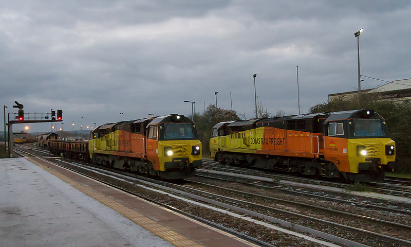 31st Dec 14:  70808 gets underway with 6M50 from Westbury to Bescot and passes 60810.  Out of sight behind the train were 7080? and tugs 76 & 85