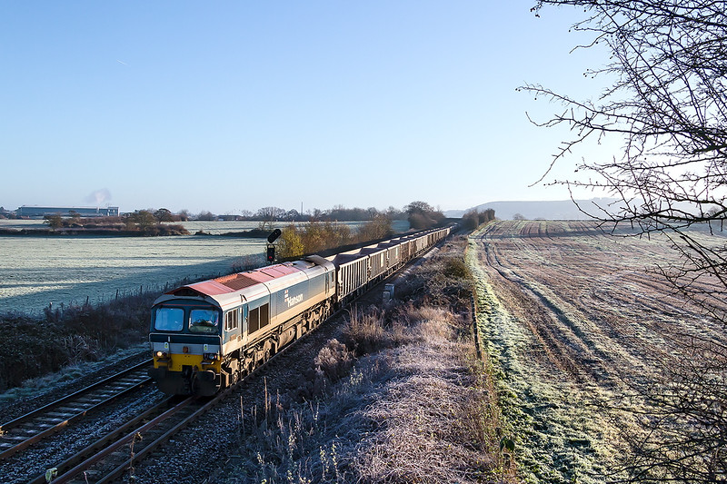 13th Dec 14:  On a beautiful frosty morning 59102 at Fairwood with 7C29 the 05.42 from Acton to Merehead.  Another test for the new 17-85 this one at 22mm.