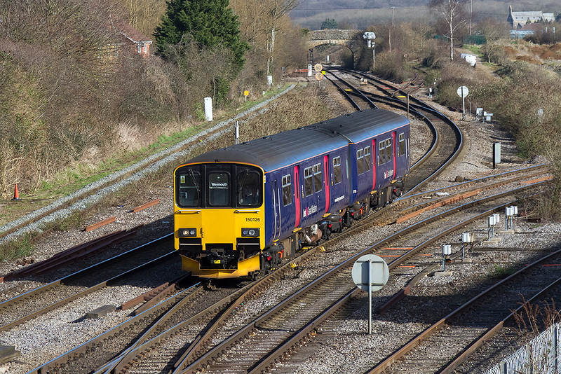26th Feb 14:  Arriving at Westbury is 150126 forming 2O86 ter 08.41 from Goucester to Weymouth