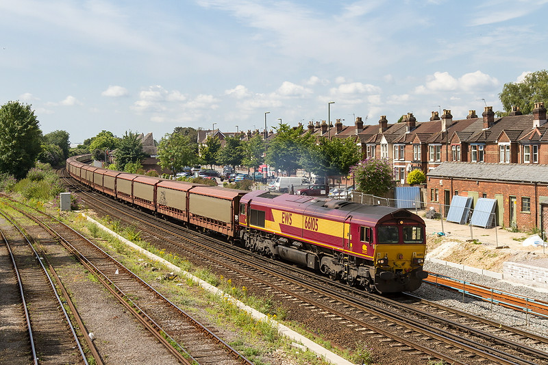 2nd Jul 14:  In the hands of 66105 is 6M48 empty STVA car carriers fron Southampton Eastern Docks to Halewood