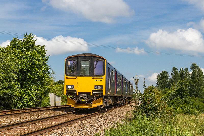 1st Jun 14:  150102 nearing Warminster with 2F94 the 10.05 from Westbury