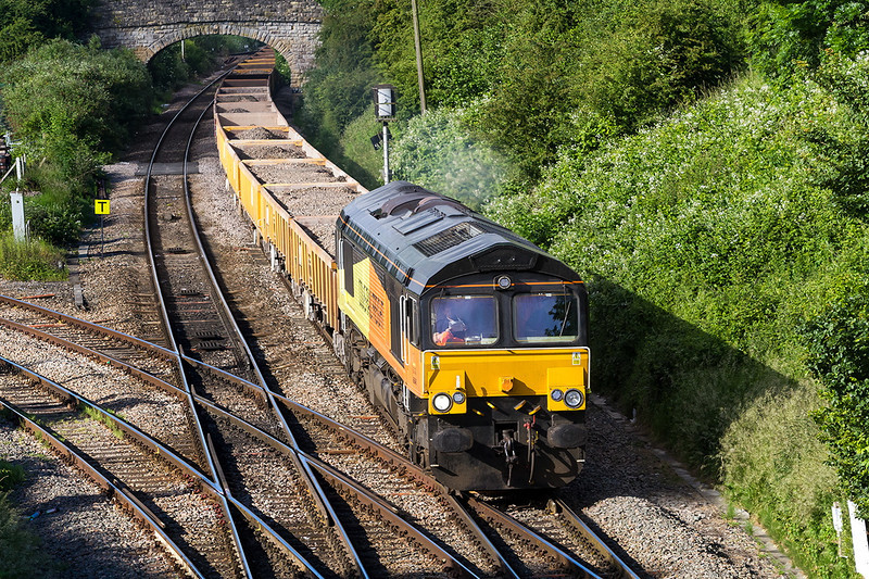 10th Jun 14:  66848 is in charge of 6M50 from Westbury to Bescot Tard.  Captured here as it crosses Hawkeridge Junction