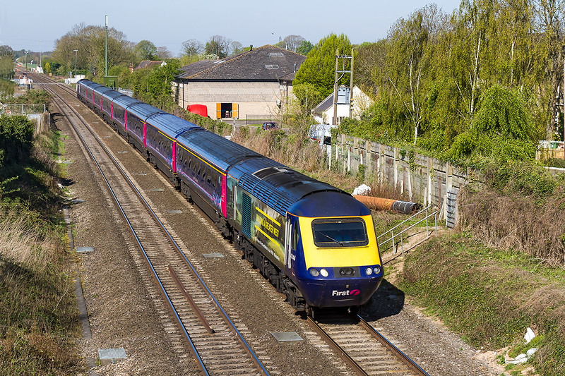 22nd Apr 2015;  43144 sporting the 'Greater West' vynil, the one with the yellow foam !!  1A10 is the 09.00 Bristol Temple Meads to Paddington passing Steventon