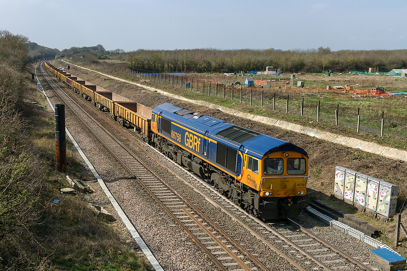 8th Apr 2015:  66758 working 6M40 from Westbury to Stud Farm passing Hay Lane
