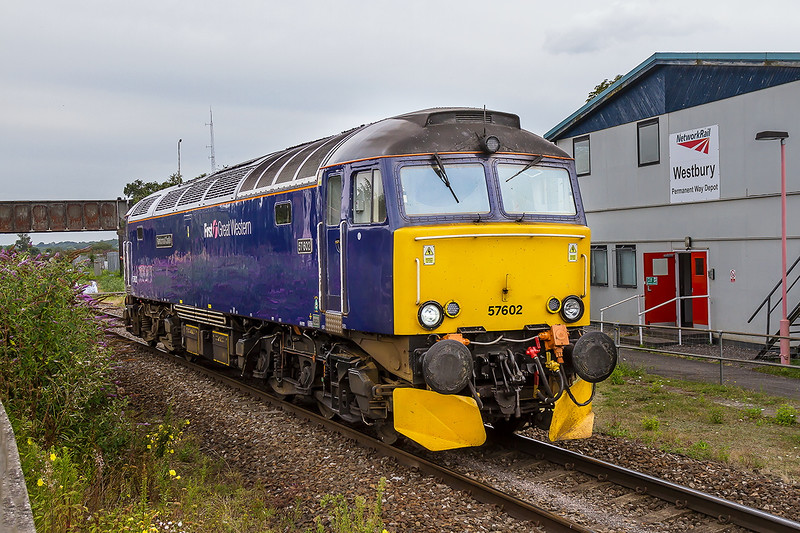 18th Aug 2015:  Working back to Laira from the HST Depot at Old Oak Common is 57602 'Restormel Castle'.