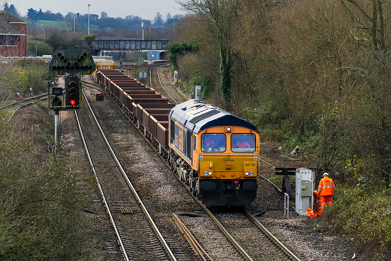 16th Dec 2015:  66758 is again tasked with taking 6M40 to Stud Farm from Westbury.  Pictured as it nears Hawkeridge Junction the empties will be refilled and returned and be used used to top up the Virtual Quarry