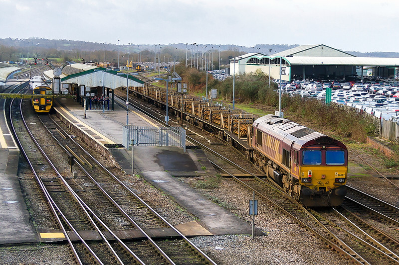 20th Dec 2015:  66087 on the rear of 6W97 the 09.00 from Worcester Hererford Sidings to Westbury long welded rail train.  66004 is providing the urge.