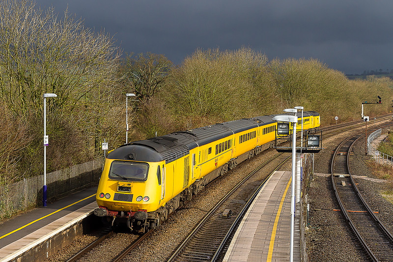 13th Feb 2015:  On the Plymouth to Paddington leg of the day's work  the NMT races through Castle Cary.  43014 on the front with 43013 at the rear.  The sky really was as dark as that.     wow!