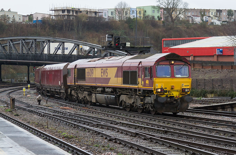 19th Feb 2015:  With the rain now ceased  66019 enters BTM at the head of 6M38 from Portbury to Ratcliffe Power Station
