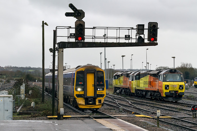 3rd Jan 2015:  The 11.10 from Southampton Central to cardiff arrives at Westbury and passes 70805 & 70510