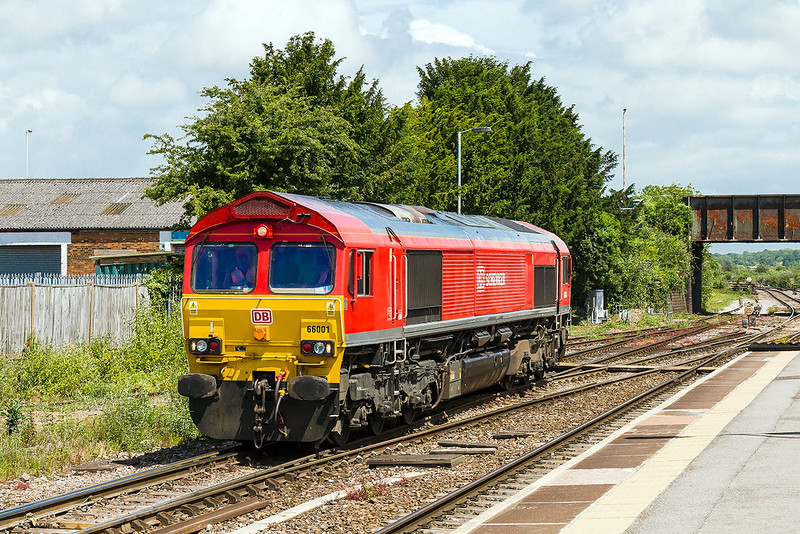 5th Jul 2015:  Pioneer Shed 66001 eases forward to join the 20 JNA/MLAs on 6Y30 and then draw them back and release the raain engine 70003
