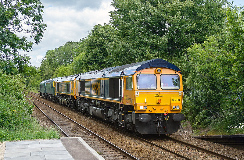 9th Jun 2015:  During a particularly dull spell 66763 runs though Bradford on Avon. 0O59 was taking 59003, 56006 and 45060 back to Eastleigh after being the star attractions at the West Somerset Deisel Gala
