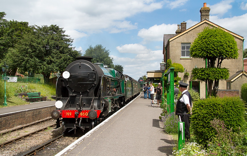 27th Jun 2015:  Arriving at Ropley is 850 'Lord Nelson' working to 14.00 from Alton to Arlesford