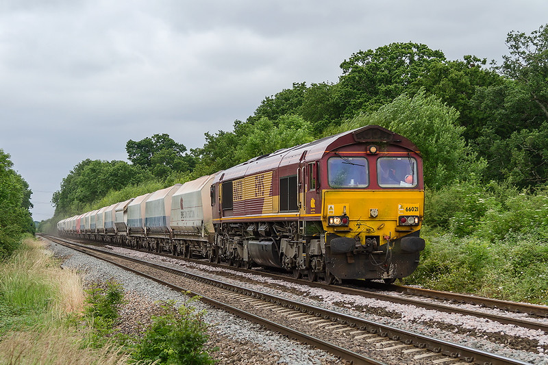 26th Jun 2015:  66021 at Masters Crossing in Fairwood with 6M20  to St Pancras Churchyard Siding from Whatley Quarry