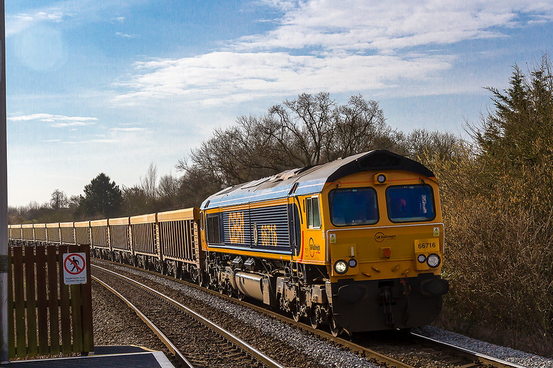 11th Mar 2015:  Bookes as a light engine 0V40 it ran as 6V40 to Westbury from Eastleigh.  It did not stop as booked and ran directly to Stud Farm as the normal 6M40 from Westbury