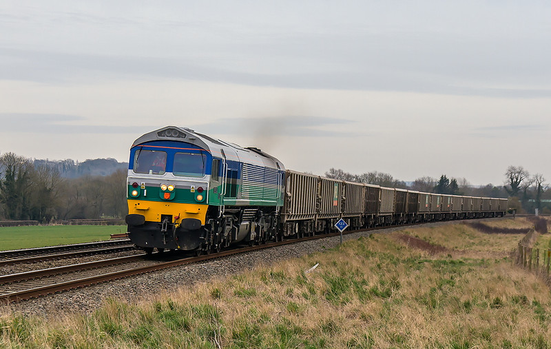 12th Mar 2015:  Running over an hour late 59002 is seen at Bapton while working 7V16 from Fareham to Merehead
